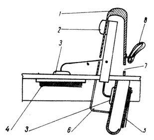 Ливенская гармоника в разрезе(видна ломаная дека(резонаторный канал)