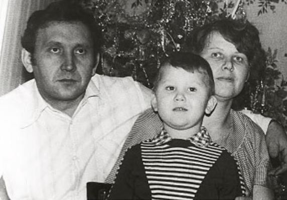 гармонист Александр Ланин в детстве